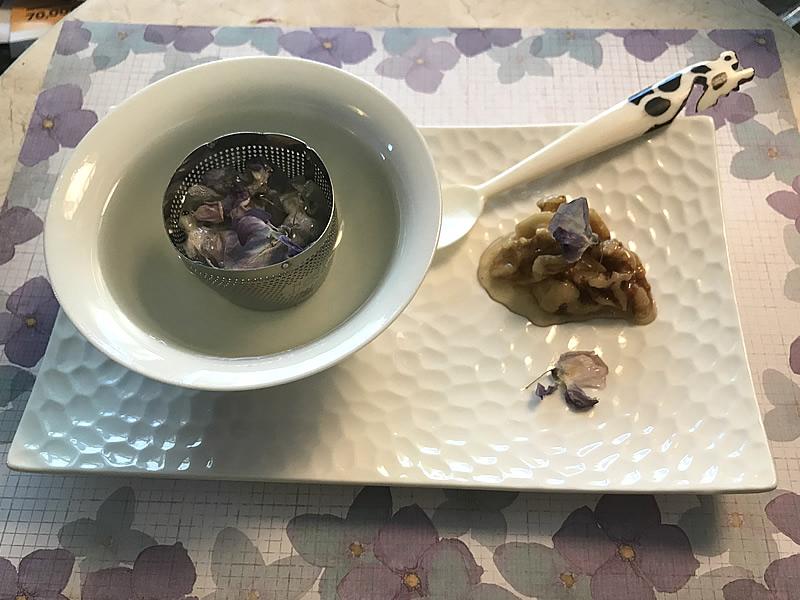 一片紫云两杯香槟——结婚三十四周年纪念日为君烹制紫藤花晚餐